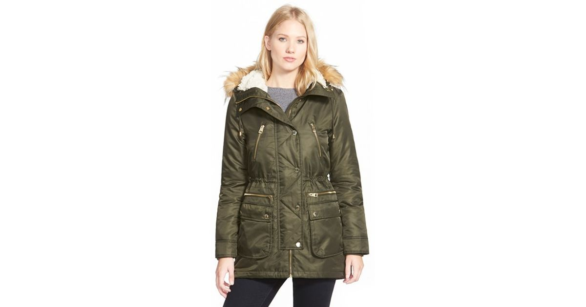Guess Hooded Satin Parka With Faux Fur Trim in Green | Lyst