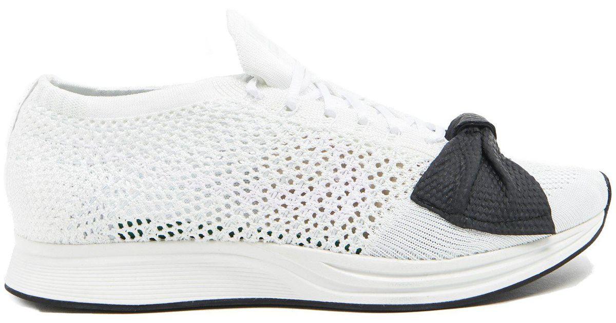 38ee2de3d41 Comme des Garçons For Nike Bow Flyknit Racer Sneakers in White - Lyst