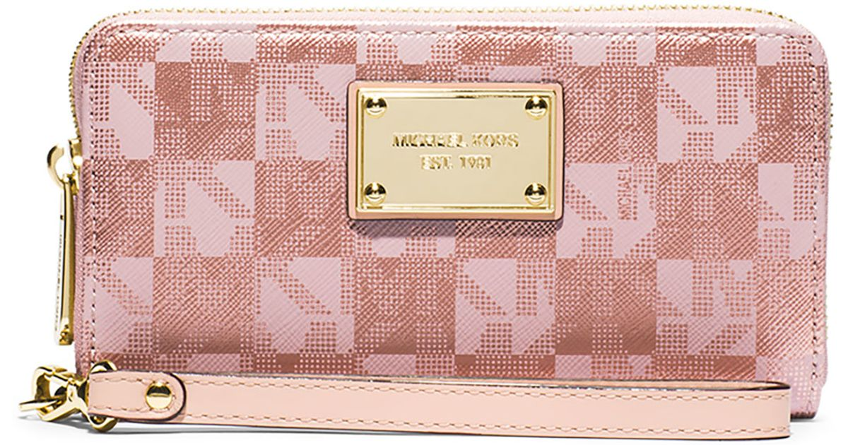 0df57f0b560a58 MICHAEL Michael Kors Jet Set Large Multifunction Wristlet Phone Case in  Pink - Lyst