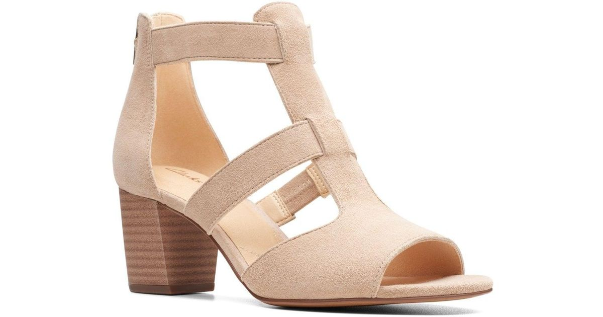 09c3b8cf128b Clarks Deloria Fae Womens Open Toe Block Heel Sandals in Natural - Lyst