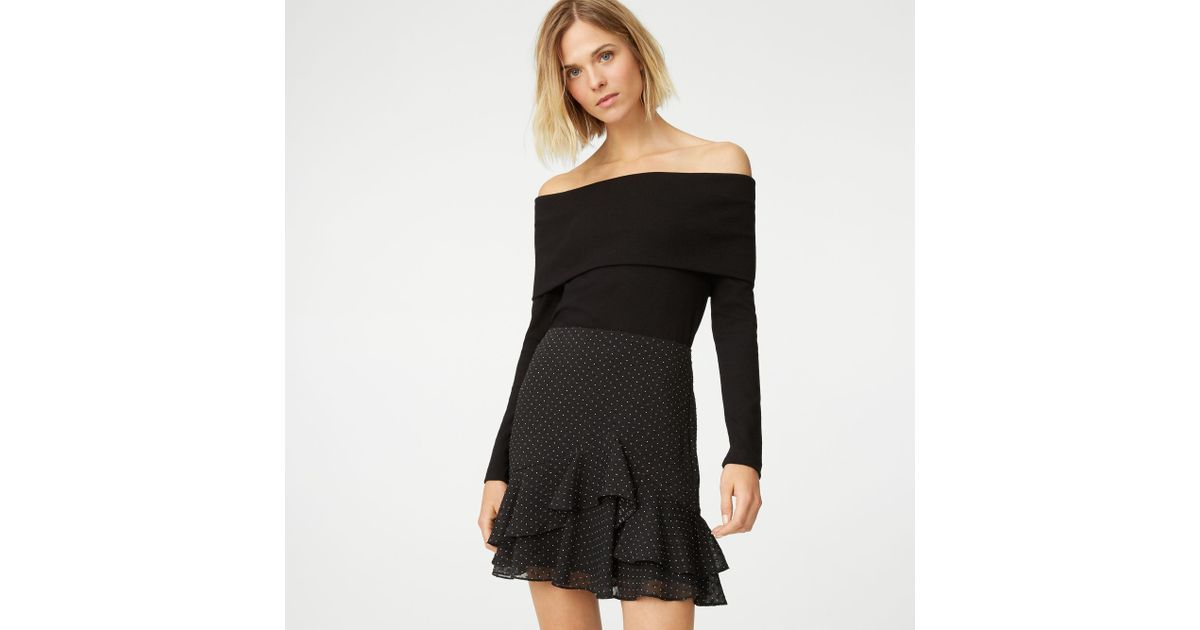 e28ea9af35e Club Monaco Tabbie Off-the-shoulder Top in Black - Lyst