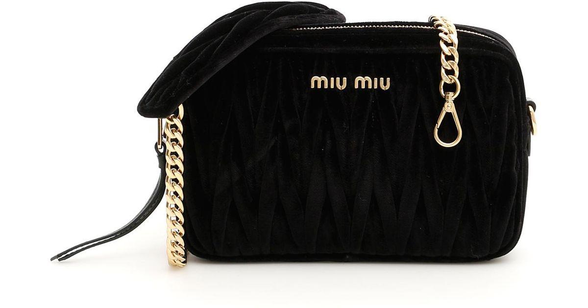 b9a8ba4fbd1 Miu Miu Matelassé Velvet Bag in Black - Lyst