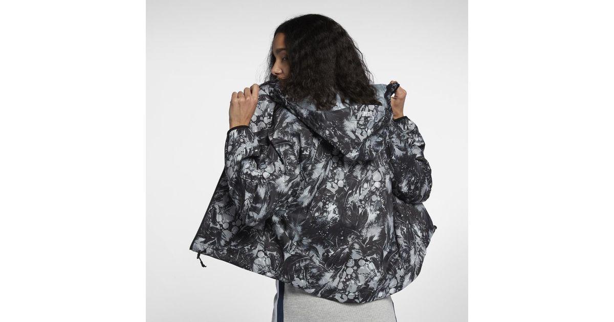 57d6cbba05ff Lyst - Converse Feather Print Blur 2.0 Women s Jacket in Black