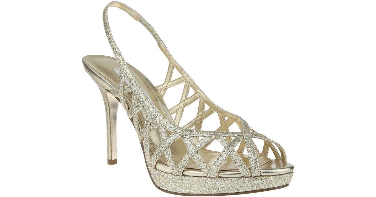 186e2aac1d1 Nina Fantina Glitter Peep-toe Slingback Sandals in Metallic - Lyst