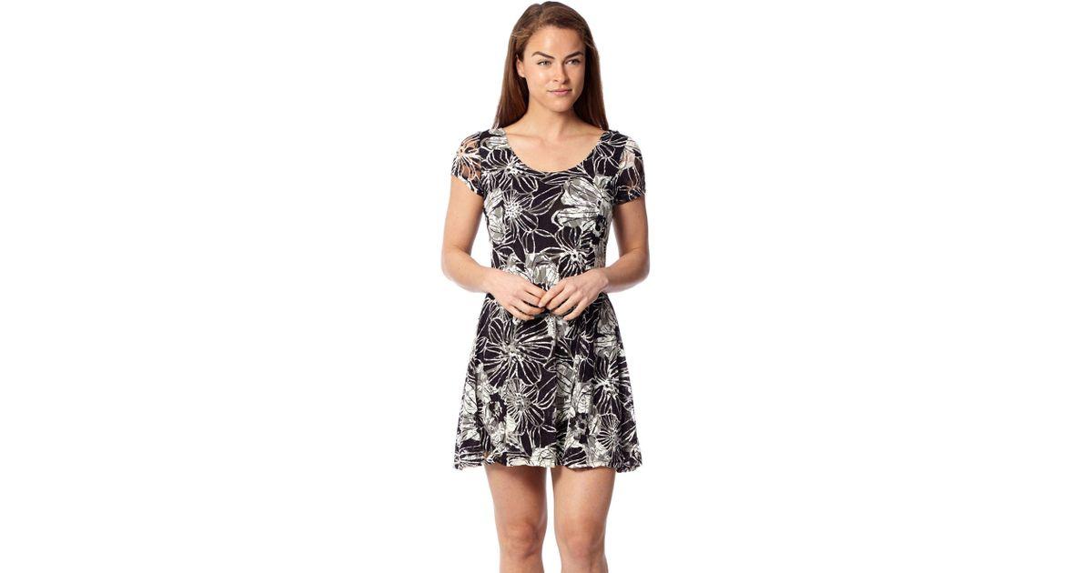 f4af89d86f86b9 Izabel London Beige Lace Skater Dress in Natural - Lyst