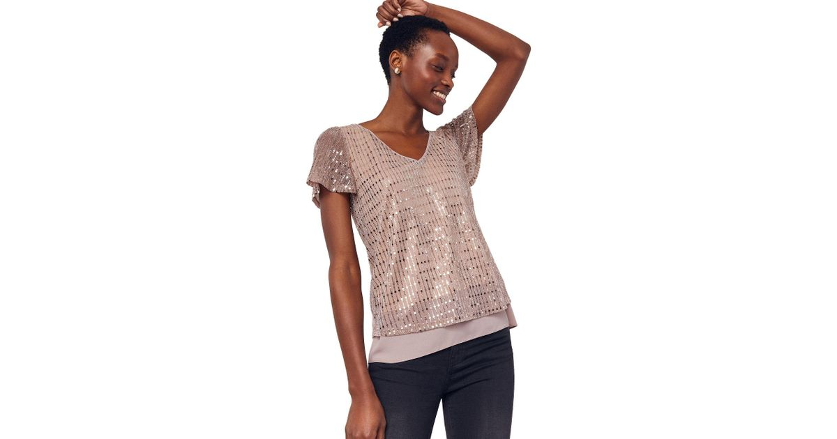 9fa9f7b528a8 Oasis Rose Gold V Neck Sequin Plisse Tee in Pink - Lyst