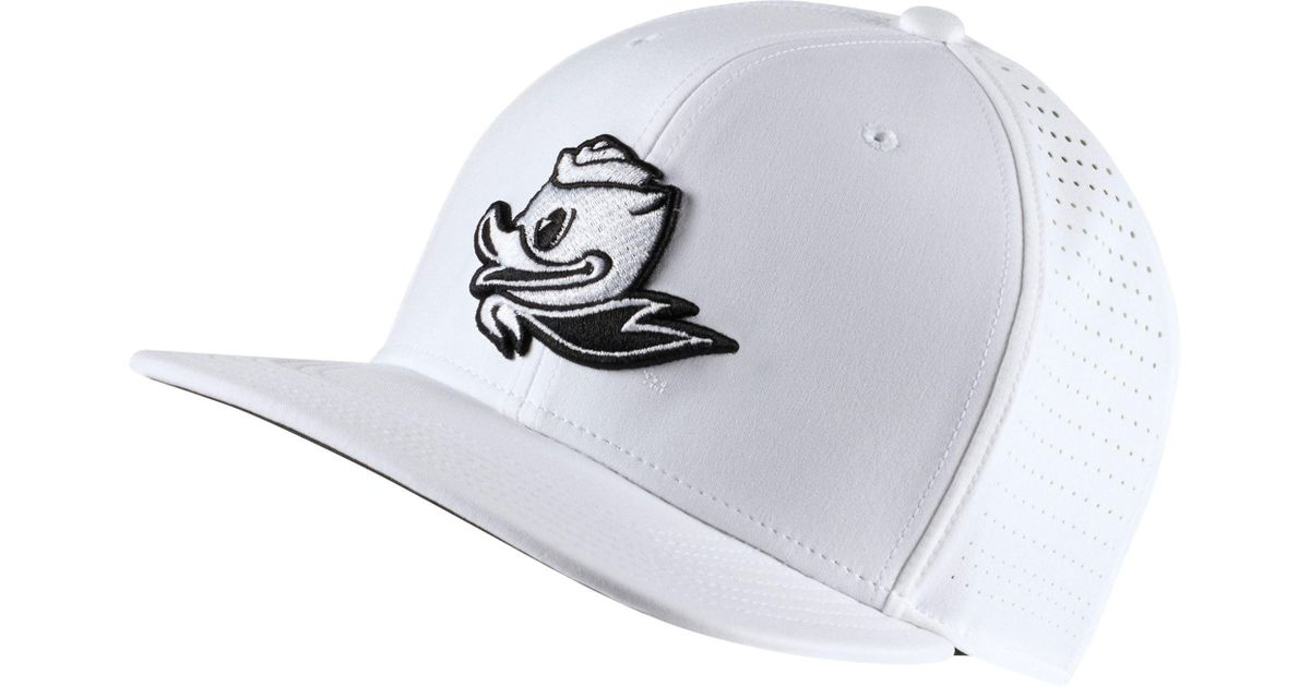 Lyst - Nike Oregon Ducks Pro Perforated Golf Hat in White for Men 5b82f9e66
