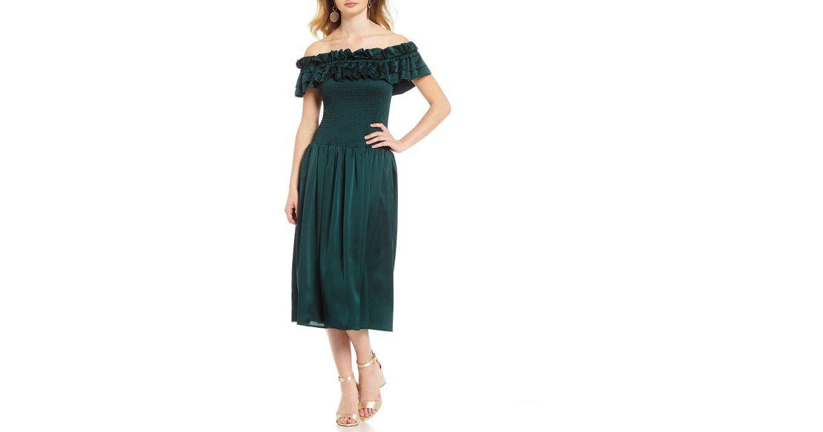 7b8ff16d03 Lyst - Gianni Bini Serena Ruffle Smocked Waist Midi Dress in Green