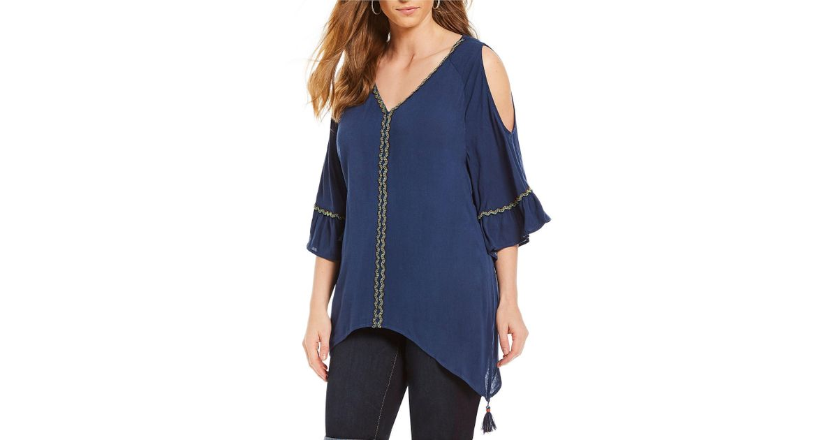 e7fb7b233bb2b3 Lyst - Democracy Plus Size Cold Shoulder Bell Sleeve Tassel Detail Hanky  Hem Top in Blue
