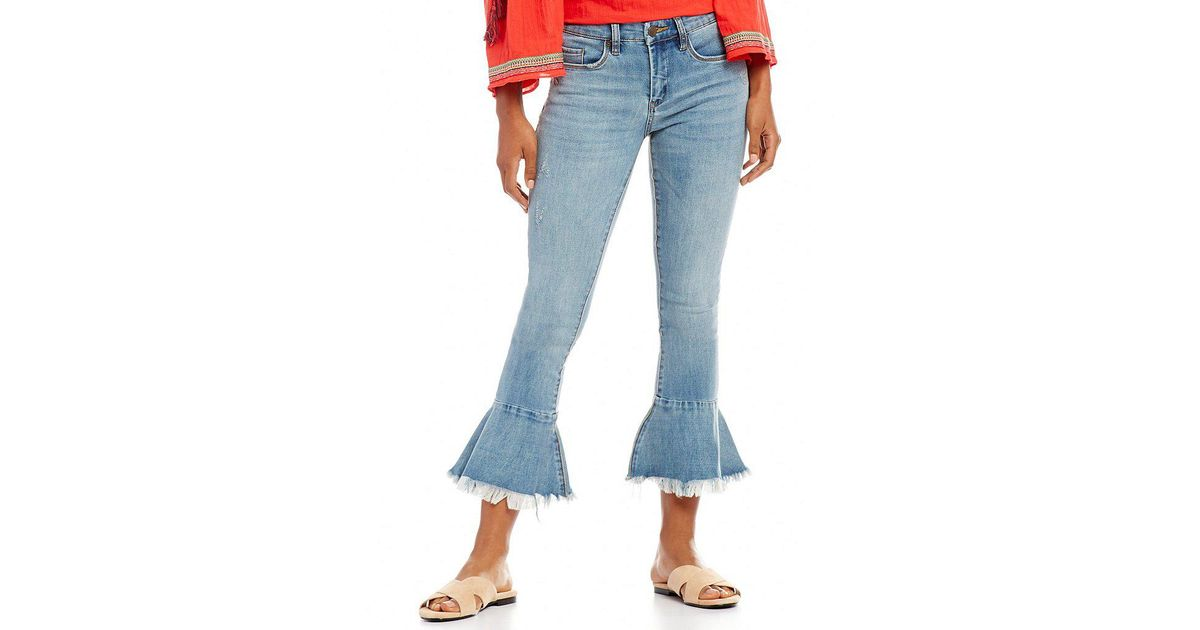 f74cebbcfcf2c Lyst - Chelsea   Violet Cropped Flare Jeans in Blue