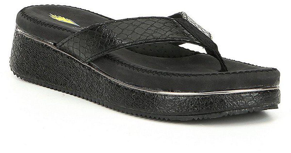 Daniella Reptile Embossed Thong Sandals Qx3hmv