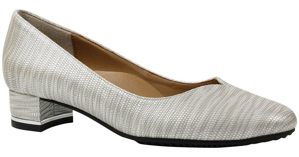 93edd04611a Lyst - J. Reneé Bambalina Lizard Print Patent Leather Block Heel Pumps in  Gray