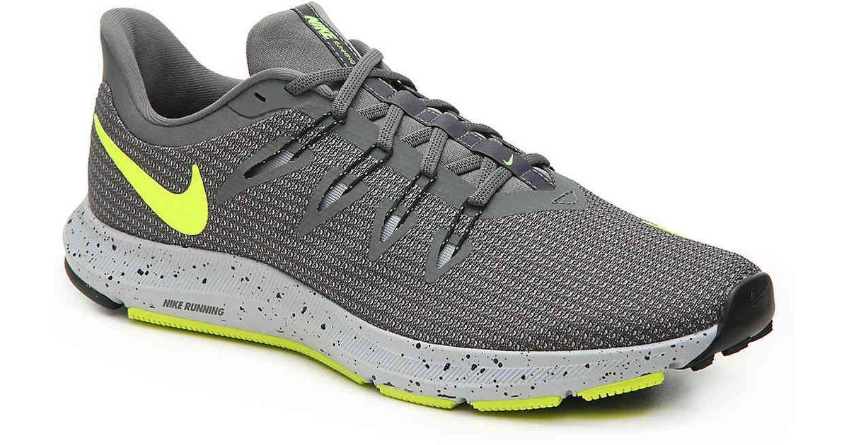 Nike Gray Quest Se Lightweight Running Shoe for men