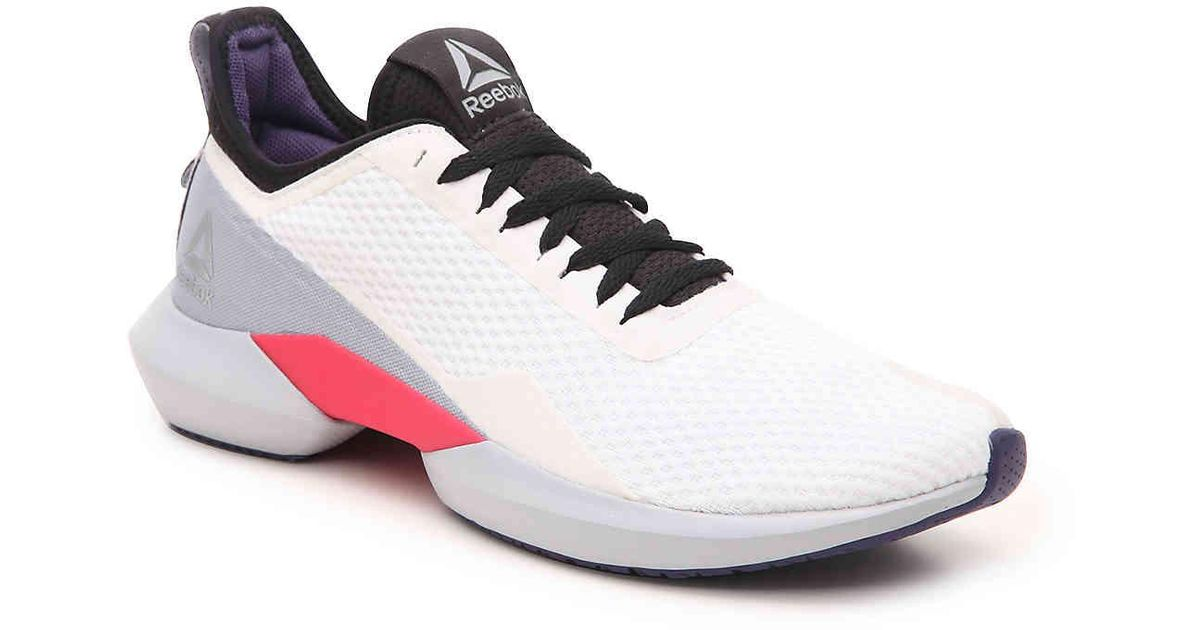 Puntero Ya que Materialismo  Reebok Interrupted Sole Running Shoe in White/Black/Red (White) - Lyst