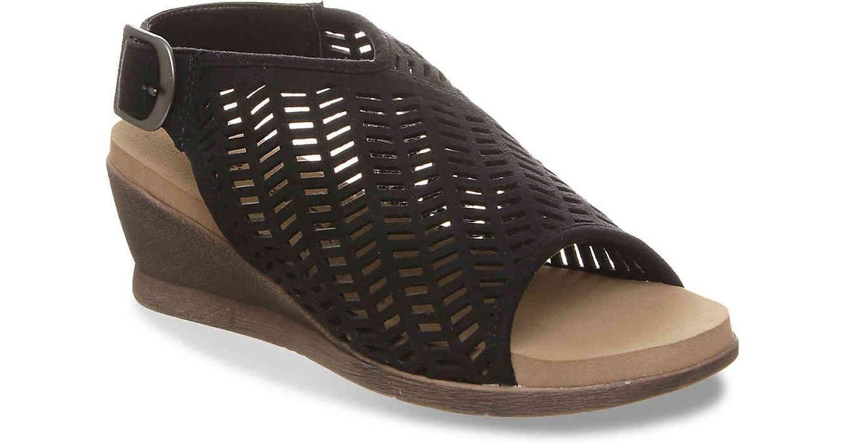 397f4b8fc57a Lyst - BEARPAW Roxie Wedge Sandal in Black