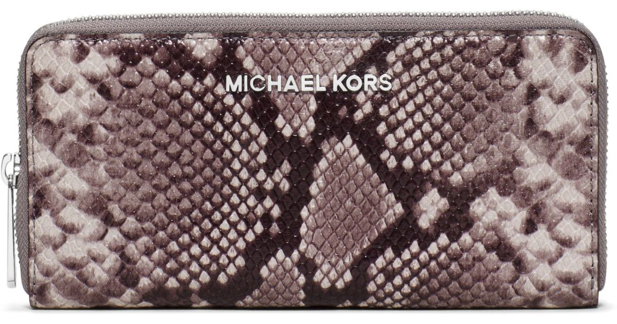 f19347553b09 Michael Kors Jet Set Travel Embossed-leather Continental Wallet in Gray -  Lyst