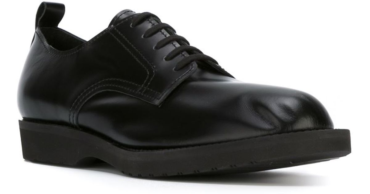 Lace-Up Leather Derby Shoes in Black