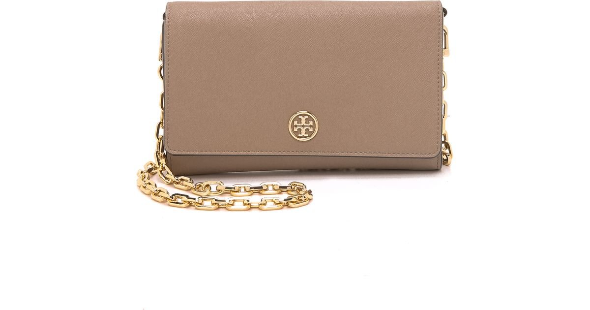 5b9337084ff1 Lyst - Tory Burch Robinson Wallet-On-Chain in Gray