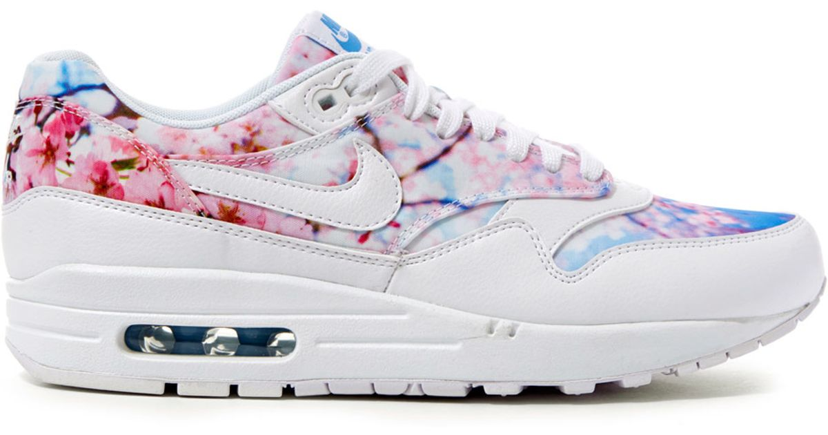 online store 559eb 218c7 Lyst - Nike Cherry Blossom Printed Air Max 1 Trainers in White
