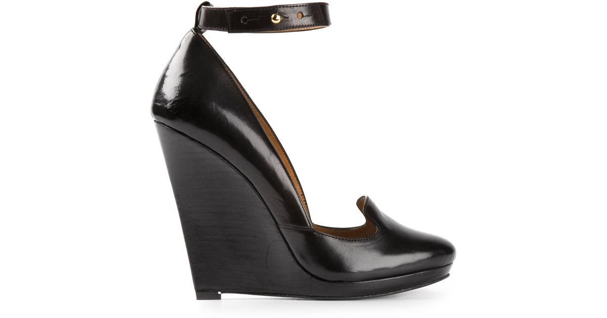 5a10e24ba10 Lyst - Christophe Lemaire Wedge Pumps in Black