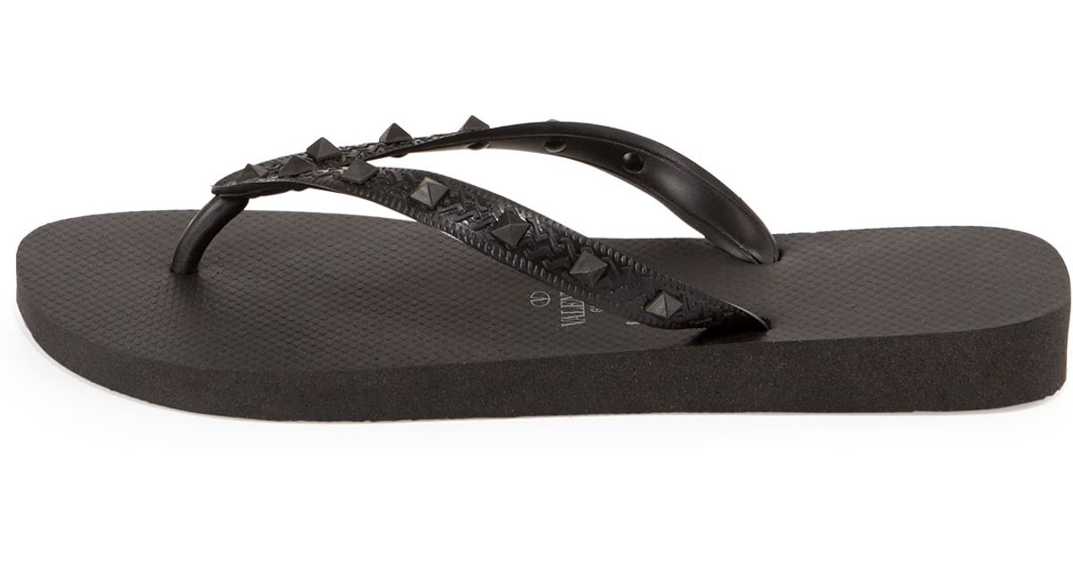 lyst valentino by havaianas rockstud flip flop in black. Black Bedroom Furniture Sets. Home Design Ideas