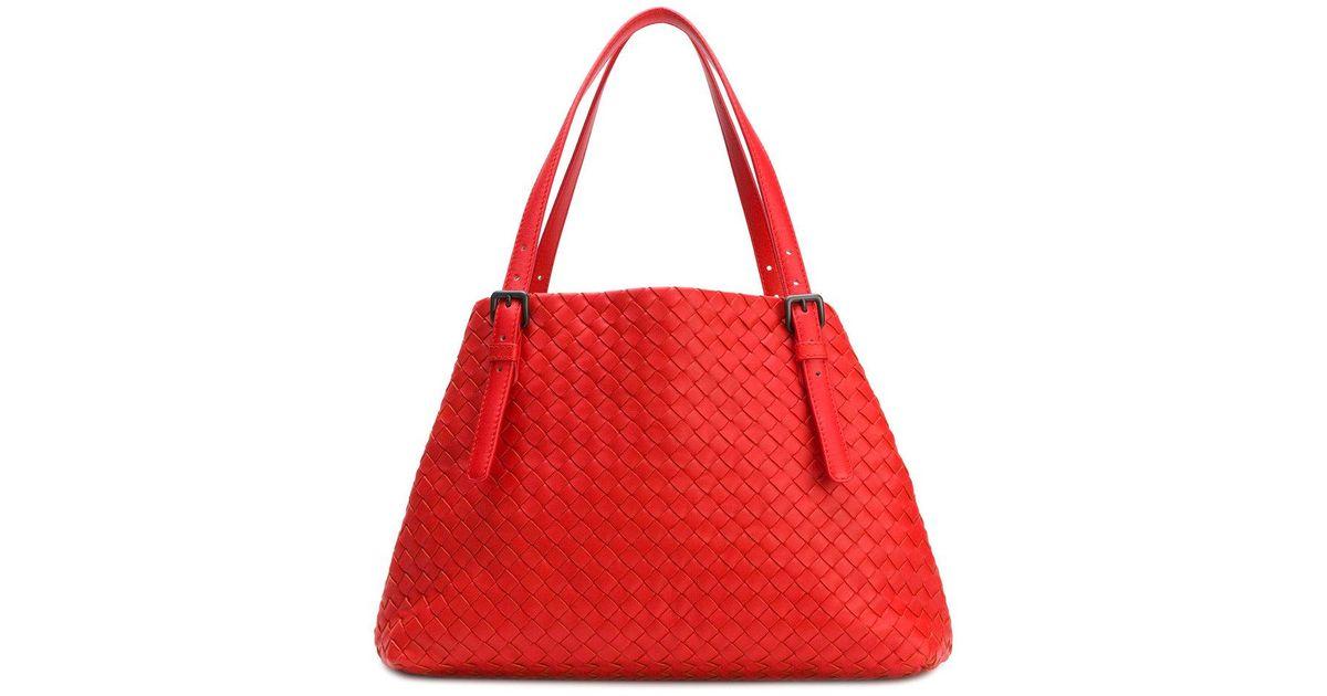 5c2dbeebae6 Bottega Veneta Vesuvio Intrecciato Nappa Medium Tote Bag in Red - Lyst