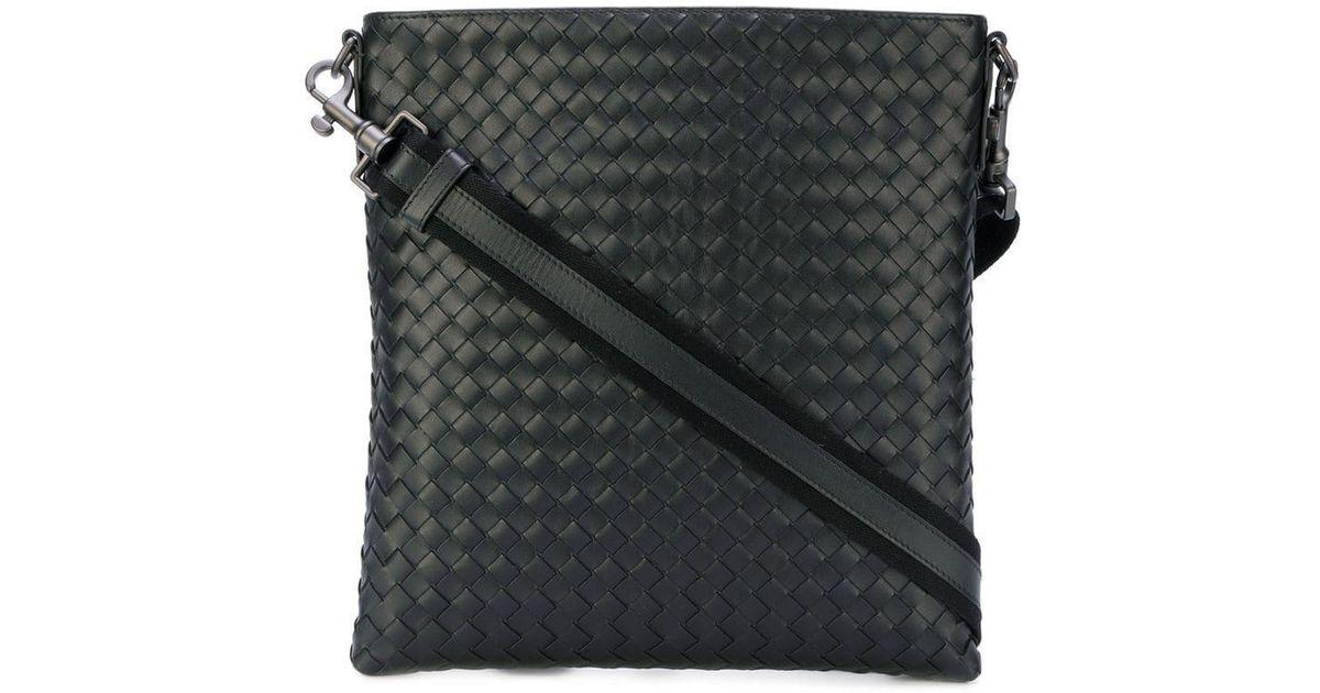 Bottega Veneta Nero Intrecciato Small Messenger Bag in Black for Men - Lyst 280b1c48c3c58