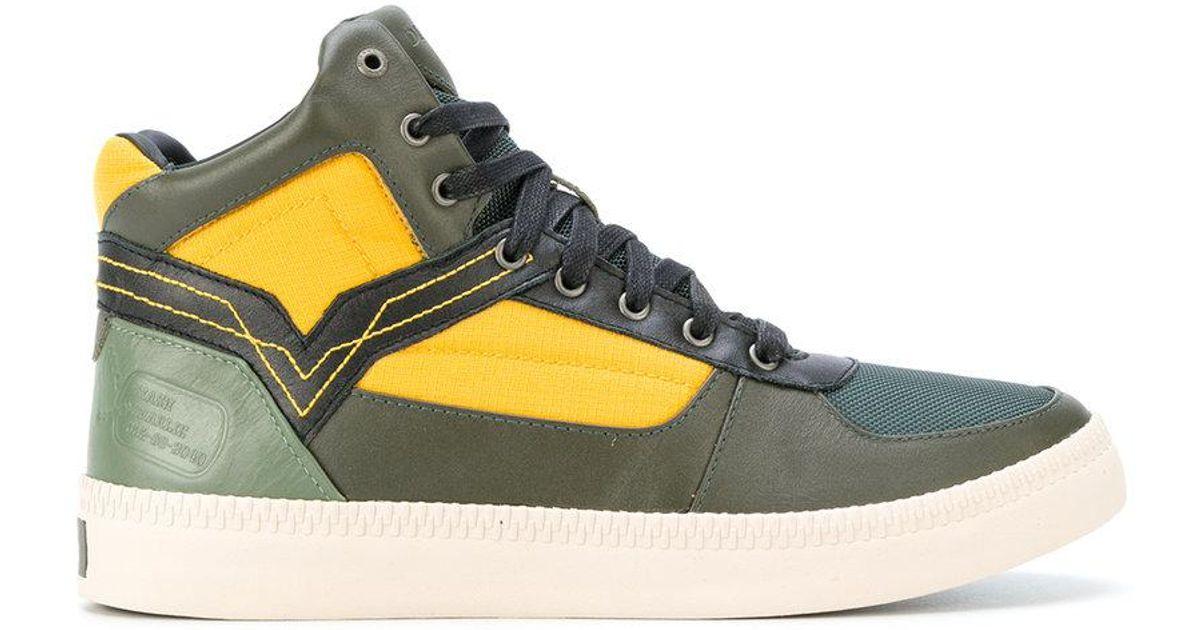Street Fighter 5 Nash Sneakers