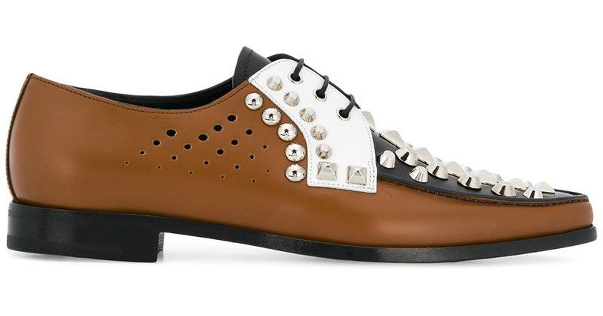 Prada Clouté Chaussures Oxford - Marron gJlrC