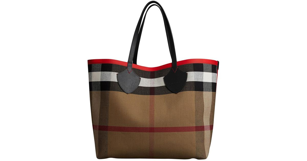 6fa7b1488d2c Lyst - Burberry The Giant Reversible Tote In Canvas Check And Leather in Red