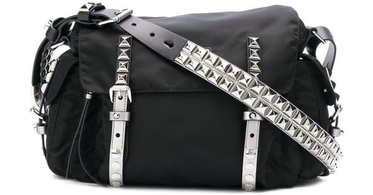 Lyst Kleine Handtasche Mit Prada Schwarz 'vela' In Nieten DHWEI29