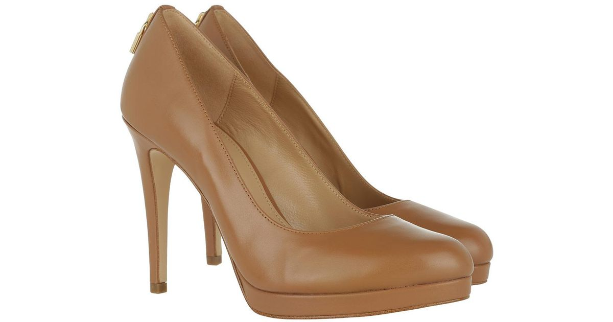01988ed1fe0c Michael Kors Antoinette Pump Leather Acorn in Brown - Lyst