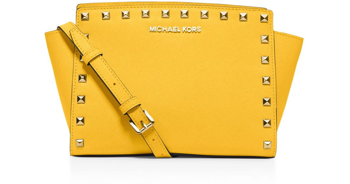 f643138e6eef ... clearance michael michael kors medium selma studded messenger crossbody  in yellow lyst c7e56 6f1de