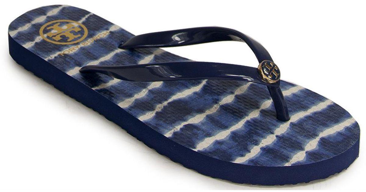 bbab3fca0201 Lyst - Tory Burch Printed Thong in Blue