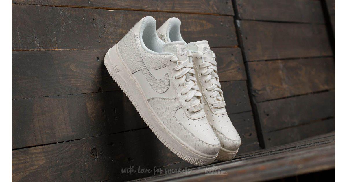 Nike Wmns Air Force 1 ́07 Premium Sail