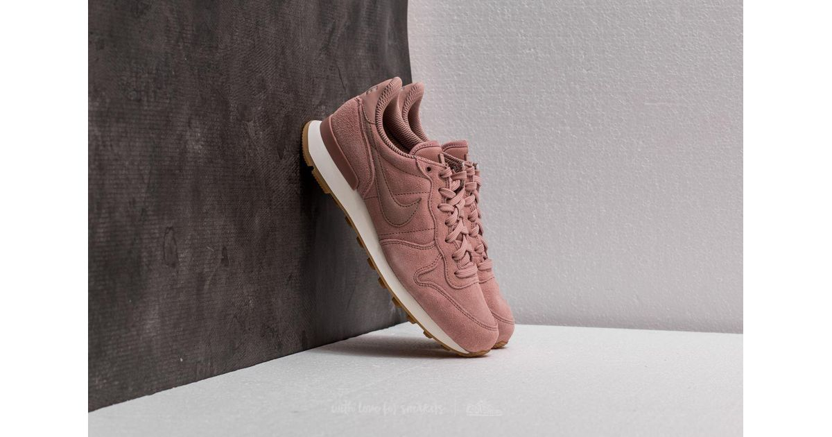 new concept e4c62 a22ad ... wholesale lyst nike w internationalist se particle pink particle pink  in pink 5faad e69a3