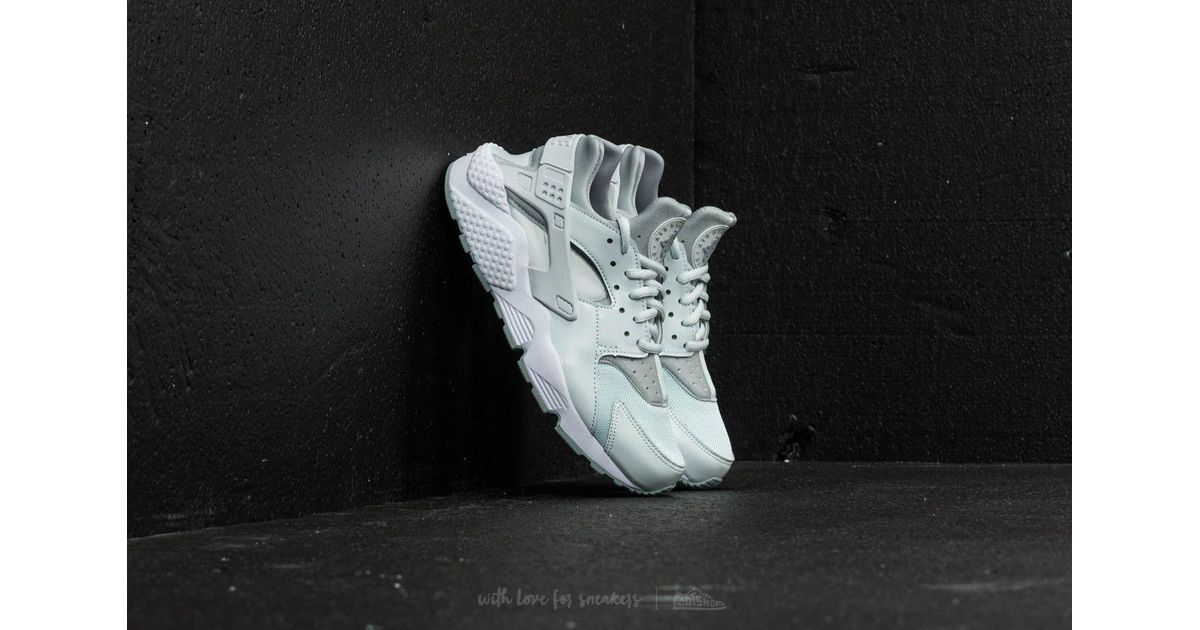 huge selection of cb38c 313cf Nike Wmns Air Huarache Run Barely Grey  Light Pumice-white in Gray - Lyst