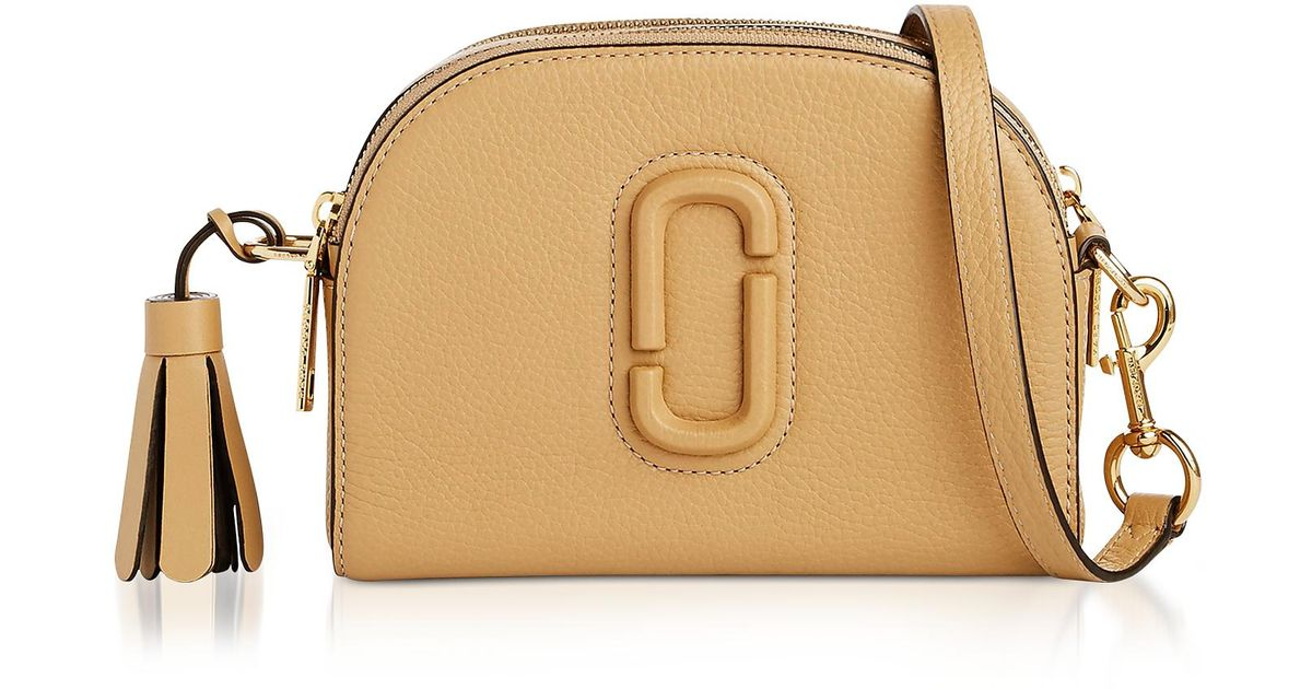 32deb81533e6 Lyst - Marc Jacobs Shutter Golden Beige Leather Small Camera Bag in Natural