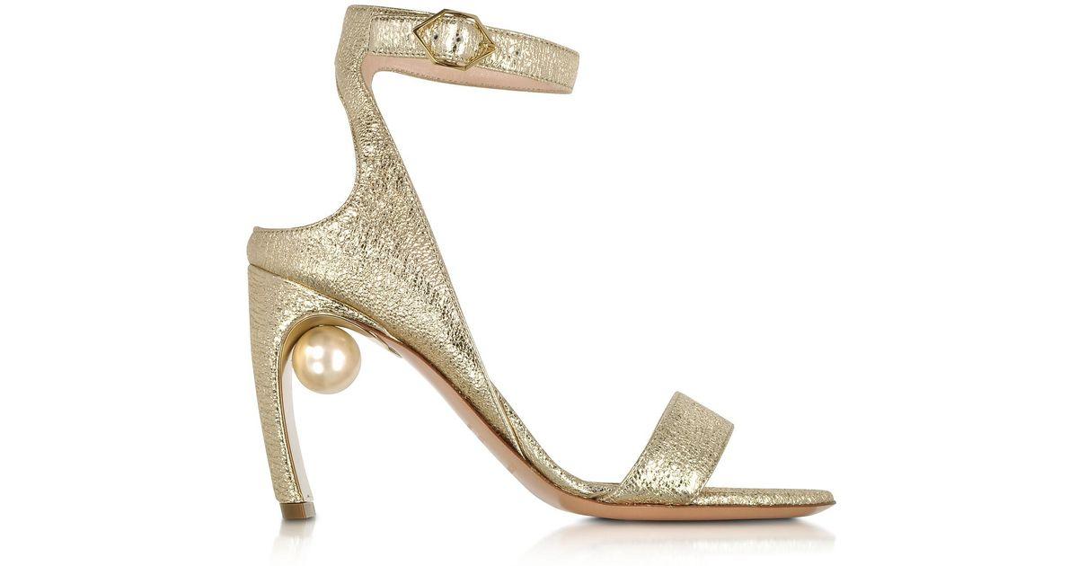 d1b1f099496 Lyst - Nicholas Kirkwood Crinkly Metallic Leather 90mm Lola Pearl Sandals  in Metallic