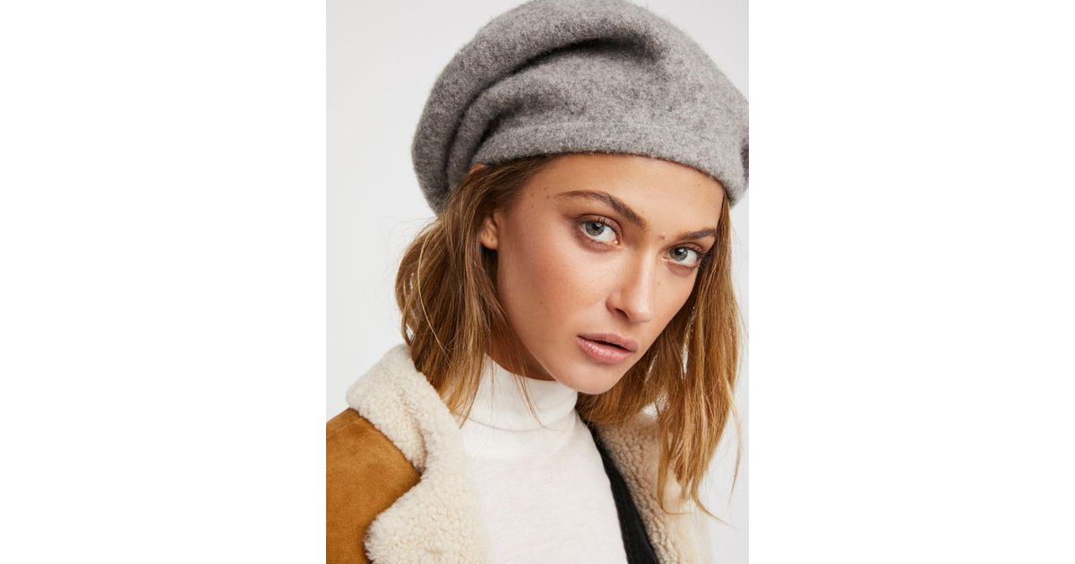 44a1e51ee221d Free People Accessories Hats Bisous Slouchy Beret in Gray - Lyst