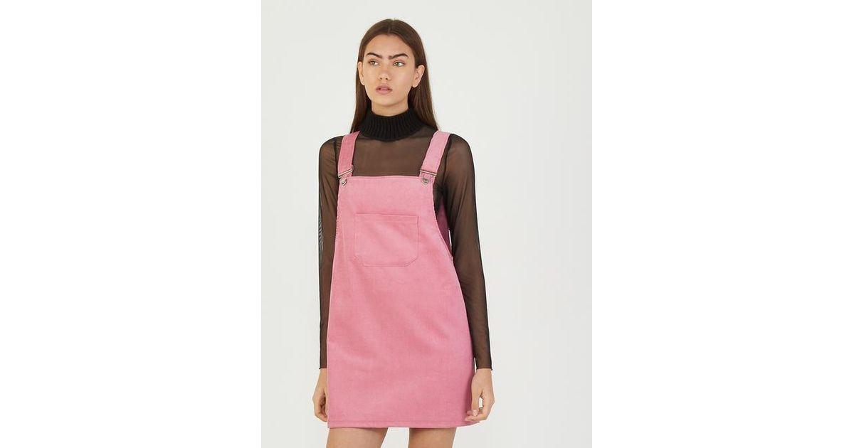 magasin en ligne 0612b d6a98 Salopette jupe en velours Galeries Lafayette en coloris Pink