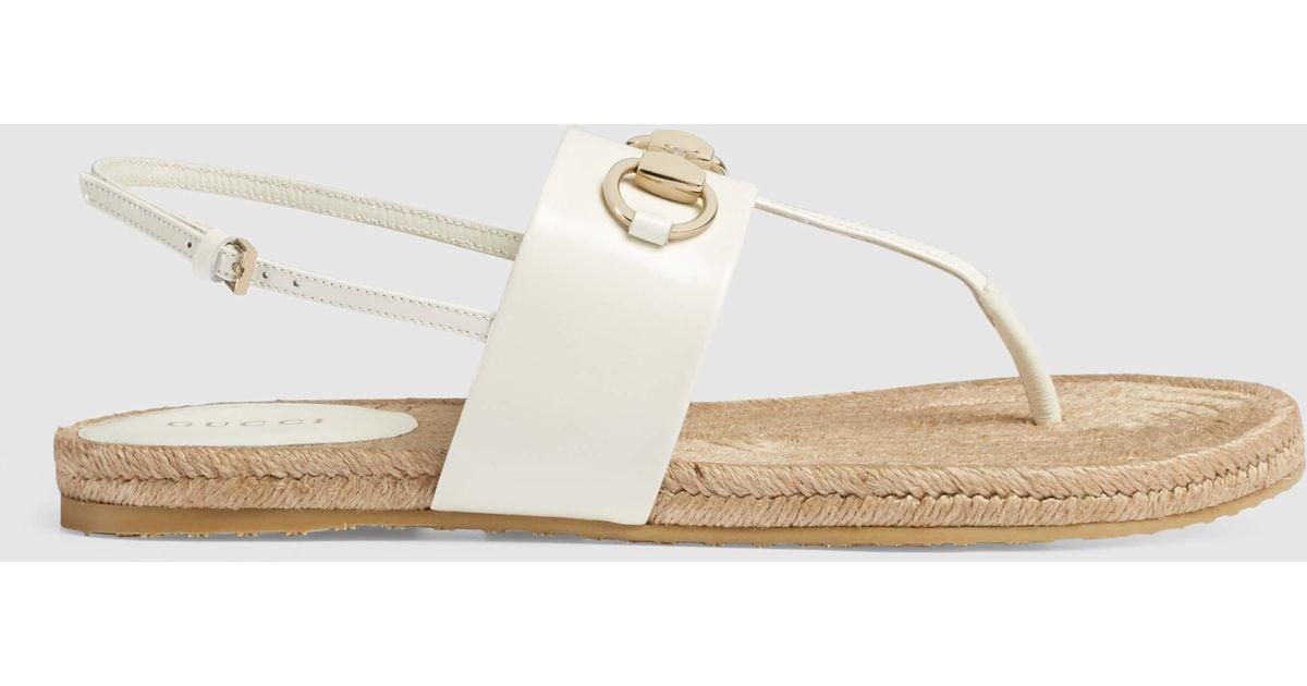 2aab58f01ac1 Gucci Rafia Horsebit Leather Thong Sandal in White - Lyst