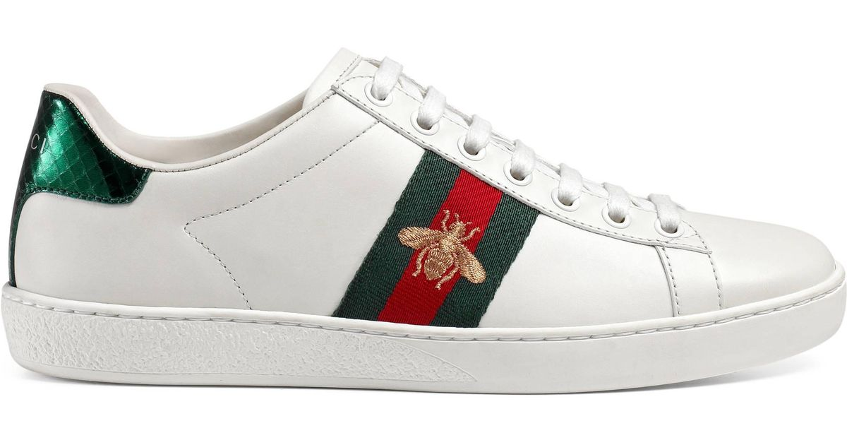 5e9fc0a903e Gucci New Ace Bee-embroidered Leather Sneaker in White - Save 11% - Lyst