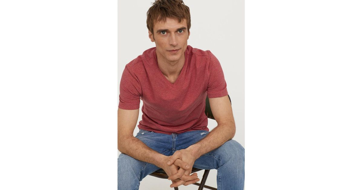21d084dec44 H M V-neck T-shirt Slim Fit in Red for Men - Lyst