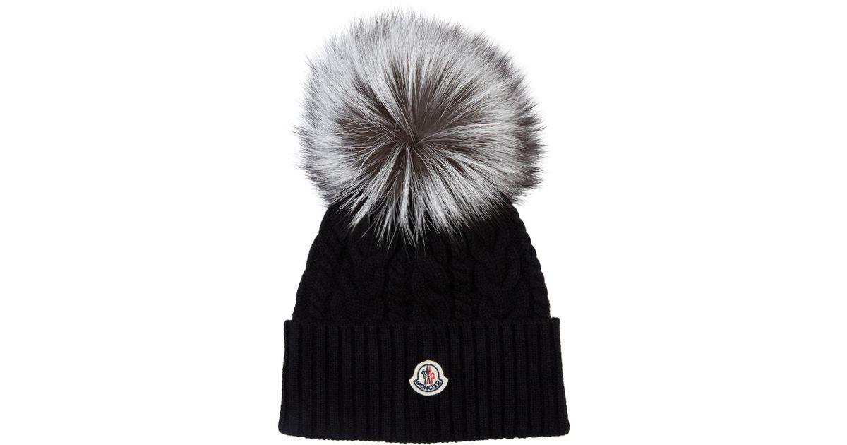ac02fa3f1b5 Moncler Fox Fur Bobble Hat in Black - Lyst