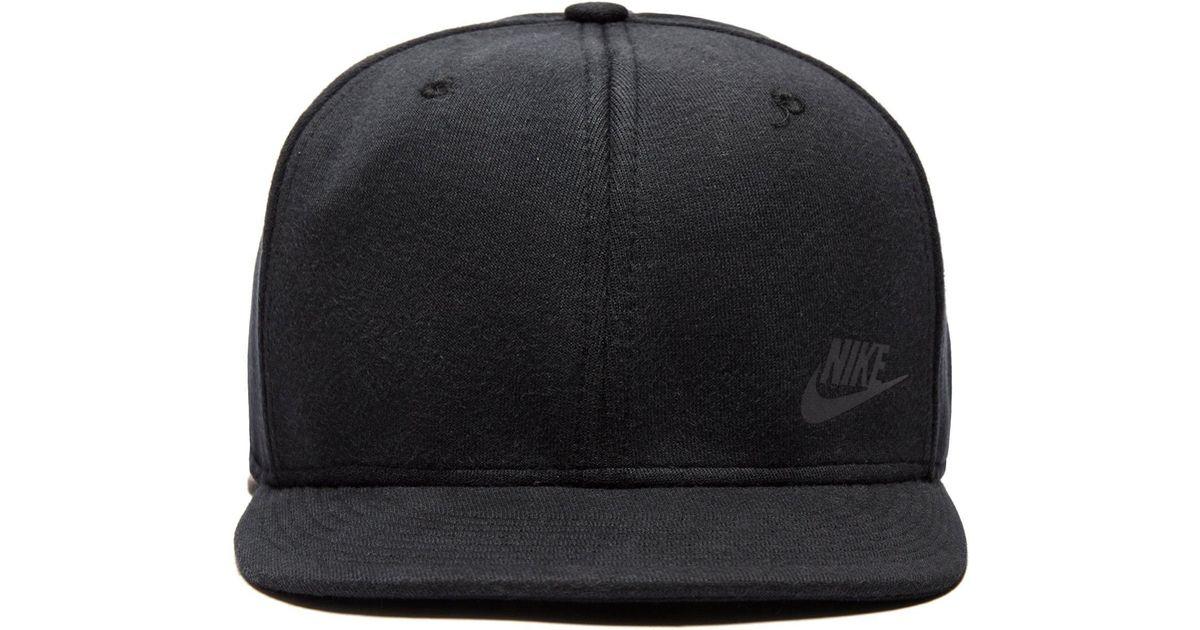 a49e457039a Lyst - Nike Tech Fleece Cap in Black for Men