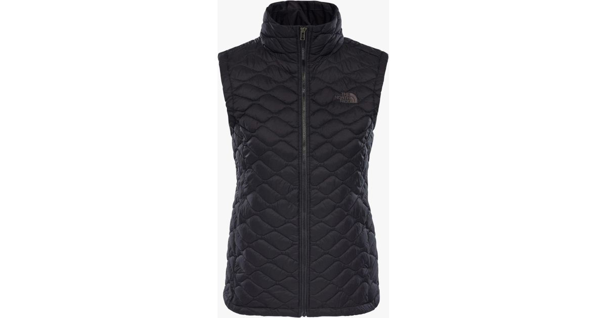 13f95af493 The North Face Thermoball Women s Insulated Gilet in Black - Lyst