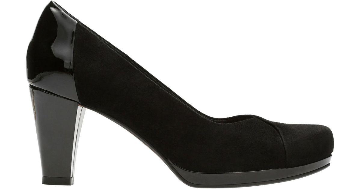 8a39a3095c68 Clarks Chorus Carol Block Heeled Court Shoes in Black - Lyst