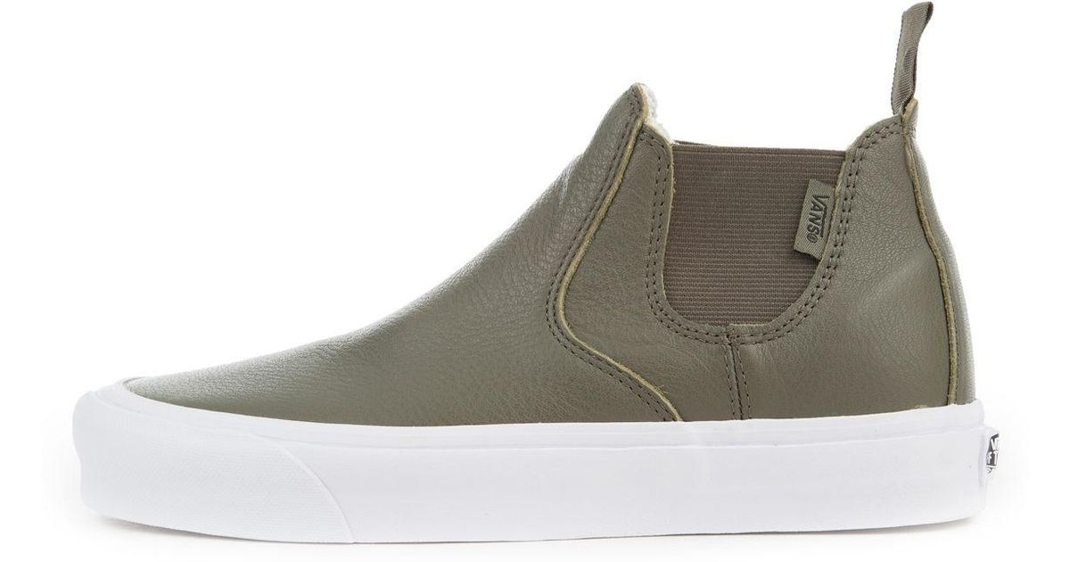 2737070e7ef8 Lyst - Vans The Women s Leather Classic Slip-on Mid Dx