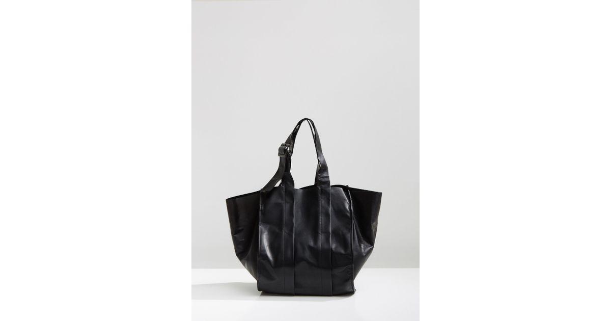 Lyst - Yohji Yamamoto Bellows Leather Handbag in Black 0dbfd16825190